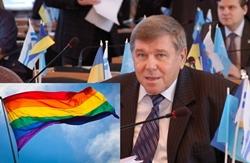 Общественность приготовила подарок для Николаевского ректора-регионала (Фото)