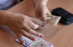 В Николаеве задержали пенсионерку-аферистку которая шантажировала полицейских (Видео)