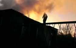 В Новоодесском районе спасатели из огня вытащили мужчину